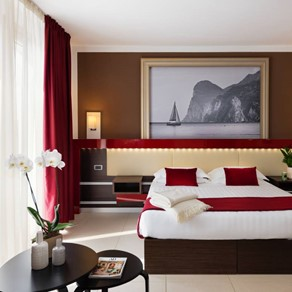 Kairos Garda Hotel